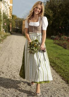 Authentic Lederhosen and Dirndl Dresses 2 FREE Aprons and 1 Blouse! Shop at: Lederhosenstore(dot)com Beautiful Vintage German Dress for a Causal Wear on sale. German Costume or even Halloween Costume. Dirndls Fashion Styling Midi Dress with a Vintage tren Drindl Dress, Maid Dress, The Dress, Traditional German Clothing, Traditional Dresses, German Costume, Online Shop Kleidung, German Outfit, German Women