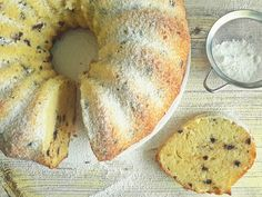 Csak könnyedén: variálható joghurtos kuglóf - Mom With Five Hungarian Desserts, Bagel, Fudge, Fondant, Food And Drink, Bread, Cookies, Mom, Sweet