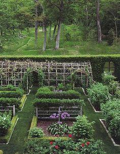 Beautiful and Inspiring Provence Garden Eat Drink