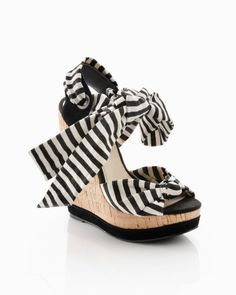 Black and white bow wedges
