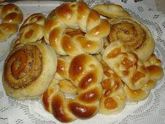 SweetBakedLove: Apricot Piroshki and Kolachki....the art of baking!