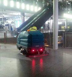 Fregadora Tennant 7300 en Estación Central (Amberes) #limpiezapro
