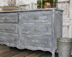 The formula for creating textured layered finishes on painted furniture - using Paint Couture and Crust-  Hey There Delyla!