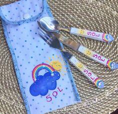 Arco iris pintado en cubiertos para niños Measuring Spoons, Deco, Painting, Bow Braid, Cutlery, Painting Art, Decor, Paintings, Deko