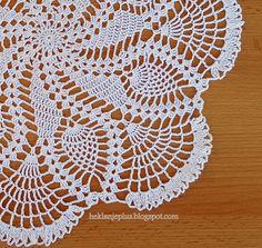 Heklanje plus: Moj rad 15 Crochet Tablecloth, Crochet Doilies, Knit Crochet, Origami, Art Diy, Art And Craft, Creations, Crochet Patterns, Crafty