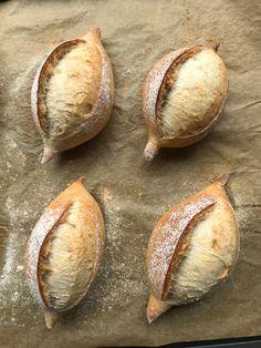 Bolillos, pan francés, pan de locha? - Mis recetas favoritas by Hilmar Bread Art, Pan Bread, Bread Baking, Pan Frances Recipe, Gorditas Recipe, Healthy Homemade Bread, Mexican Bread, Pan Relleno, Bread And Pastries
