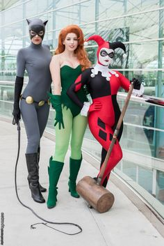 Brilliant BRILLIANT! Batman: TAS Gotham Girls -- Catwoman, Ivy, and Harley. Best cosplay EVER.