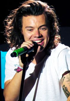 Harry Styles, Vancouver *Flashing back to when he impersonated Valley Girls in the first tour*