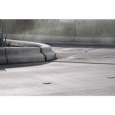 Concrete curve- http://ift.tt/1T5JTv5 #minimalzine #noicemag #fdicct #archivecollectivemag #rentalmag #lekkerzine #subjectivelyobjective #minimalmood #thisveryinstant #oftheafternoon  #thentherewasus #minimalism #myfeatureshoot #heylovlab @mrneilmason #mrneilmason #motherlondon #minimalist #minimalism #archivecollectivemag #brettmagazine #phroommagazine #lasvegas #vagas #minimalist #creativereview #neilmasonphotography @archivecollectivemag #architecturephotography #neilmasonphotograpy…