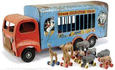 Triang pressed steel Circus Truck w/Animals, very rare to see this set together Metal Toys, Tin Toys, Wooden Toys, 1980 Toys, Doll Toys, Children's Toys, Novelty Toys, Toy Trucks, Classic Toys