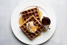 Belgian Waffle Iron, Belgian Waffles, Brunch Recipes, Breakfast Recipes, Breakfast Ideas, Brunch Ideas, Breakfast Time, Sweet Recipes, Deserts