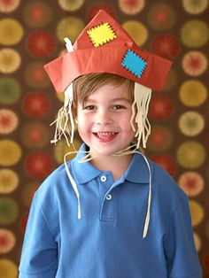 Scarecrow Hat - Help your little one turn folded newspaper into a jolly fall scarecrow hat using our easy step-by-step directions. Thanksgiving Hat, Thanksgiving Preschool, Fall Preschool, Preschool Crafts, Diy Scarecrow Costume, Scarecrow Hat, Fall Scarecrows, Scarecrow Ideas, Witch Costumes