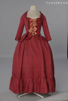 Conjunto de corset e saia, cerca de 1780-1790. Tafetá de seda matelassada