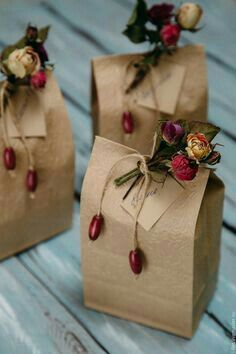 Homemade DIY Valentines's day Gift Wrapping; Simple and Easy Pretty Gift Packaging;