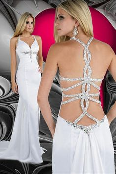 Such a pretty dress too bad I can't to prom lol