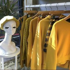 Image about fashion in 🌾🌿Indie/Hipster🌿🌾 by Effy Rainbow Aesthetic, Aesthetic Colors, Aesthetic Yellow, Aesthetic Hair, Aesthetic Pictures, Fred Instagram, Grunge, Yellow Theme, Color Yellow