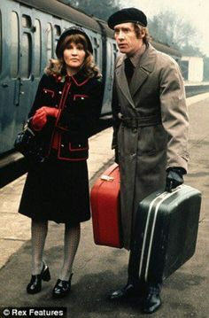 Michael with Michele Dotrice as Betty in the comedy classic Some Mothers Do ¿Ave ¿Em 1970s Childhood, My Childhood Memories, British Comedy Series, Classic Comedies, British Tv Comedies, Comedy Actors, Vintage Television, Old Tv Shows, Vintage Tv