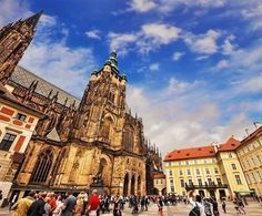 Amazing view of St. Vitus Cathedral (Prague Castle) | The Ultimate 3-Day Itinerary for a Trip to Prague