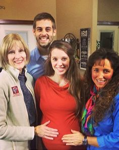 Jill Duggar's Mom, Mother-in-Law Caress Her Growing Baby Bump: Photo - Us Weekly