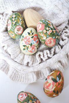 Easter Egg Crafts, Easter Art, Hoppy Easter, Easter Eggs, Easter Egg Designs, Festa Party, Egg Decorating, Hand Painted, Spring