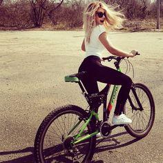 #вело#velo#bikes#bicycle #gerls#cool#bike#велосипед#красотка#gerl#girl#красотка#модель#moscow#грудь#сиськи#фитнес#спорт#девушка#брюнетка#красота#попка#попа#ножки#секс#весна#супер#sport