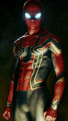 The new suit of spider man in Avengers infinity war. Marvel Comics, Marvel Avengers, Marvel Heroes, Marvel Characters, Avengers Alliance, Captain Marvel, Amazing Spiderman, Marvel Wallpaper, Man Wallpaper