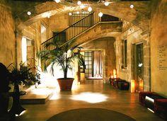 Barcelona. Vestíbul de l'hotel Neri, al Barri Gòtic.