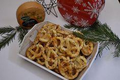 Cornuri aperitiv cu cascaval - Bucataresele Vesele Macaroni And Cheese, Shrimp, Waffles, Unt, Appetizers, Pizza, Cooking, Breakfast, Ethnic Recipes