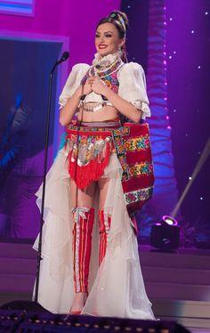Miss Universe National Costumes 2015  Kosovo