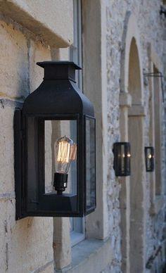 Wand lantaarn helder glas, verweerd messing. makkelijk bestellen   FOIR.NL!
