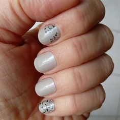Perfect pair #jamberrynails #GlacierJN #FlourishJN