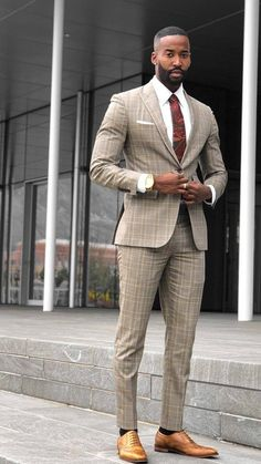 10 Common Men's Style Mistakes to Avoid Tall Men Fashion, Mens Fashion Blog, Mens Fashion Suits, Mens Suits, Men's Fashion, Mode Costume, Designer Suits For Men, Stylish Mens Outfits, Dapper Men