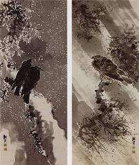 『鳶鴉(トビカラス)図』 吹きすさぶ雨風の中、昂然と顔を上げ、彼方をにらむ鳶。 凍てつく寒さ、身を寄せあう2羽の鴉。 その背中はどこか人の姿を感じさせる。 見る者に人生を問いかけてくる。 蕪村の絵には、そんな力がある。