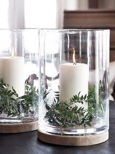 Kerzendekoration, Zweige, Kerzenstände, Kerzenschein