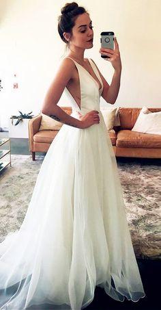 Material: Tulle>Train: Sweep/Brush>Body Shape: All Sizes>Season: Spring,Summer,Fall,Winter #wedding
