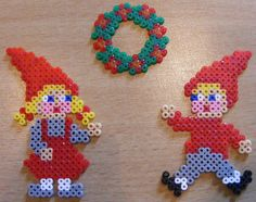 wreath and elves (square and circle board) .... Our elves made the boy one in 2012 :-)