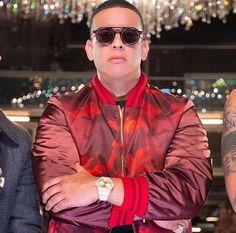 Daddy Yankee, Zapatillas Jordan Retro, Latin Artists, Nickelodeon, King Of Kings, Music Videos, Mens Sunglasses, Instagram, Fashion