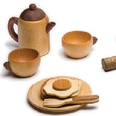 Soopsori is a new line of toys handmade entirely from natural wood finished only with linseed oil, so they are child safe and environmentally friendly. Soopsori uses up to twenty different types of wood, designed to evoke a sense of warmth with their texture and scent.