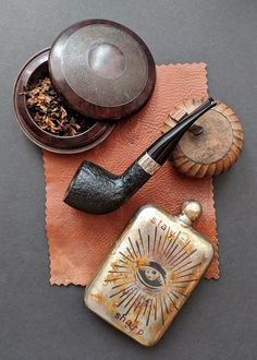 """With accessories. Wunup Baccyflap, Sneerwell """"noble"""" flask: eye of providence Tobacco Pipe Smoking, Tobacco Pipes, Smoking Pipes, Cigar Smoking, Peterson Pipes, I Quit Smoking, Briar Pipe, Cigar Club, Cigar Cases"""