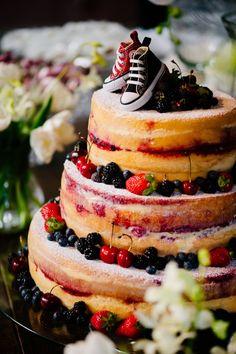 A noiva que não queria ser noiva – Casamento Mariana & Gustavo - Casar.com Foto Wedding, Naked Cake, Marry Me, All Star, Cheesecake, Wedding Inspiration, Party, Desserts, Food