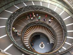 Las hélices como elemento geométrico y su aplicación en la ingeniería: El caso de la escalera de Bramante.