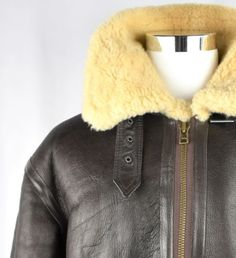 So experience the sophisticated look by wearing th i s jacket. -Removable hood with Fox Fur Outline. Statement Jackets, Leather Flight Jacket, Fox Fur, Gifts For Dad, Winter Hats, Dads, Boyfriend, Husband, How To Wear