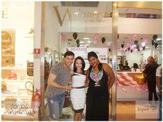 REVISTA SAMBA CONEXÃO NEWS - Curta nossa página:https://www.facebook.com/conexaosambar/… SITE: http://revistasambaconexao.clikrcs.com.br/  WALTER'S COIFFEUR   Cercado de belas mulheres no salão de beleza Walter's Coiffeur — em  Boulevard Shopping Iguatemi.