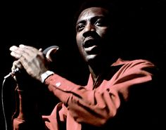 Dec 1967 - Otis Redding: The Crown Prince of Soul Is Dead. The singer dies in a plane crash at 26 years old Soul Music, Sound Of Music, My Music, Otis Redding, Soul Artists, Old School Music, Soul Singers, Sweet Soul, Sing To Me