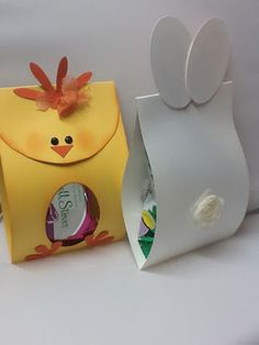 Use Cello Bags (sealed) to put inside. Great idea for kids class Use Cello Bags (sealed) to put insi Easter Candy, Hoppy Easter, Easter Treats, Easter Chick, Easter Eggs, Easter Gift, Easter Projects, Easter Crafts For Kids, Bunny Crafts