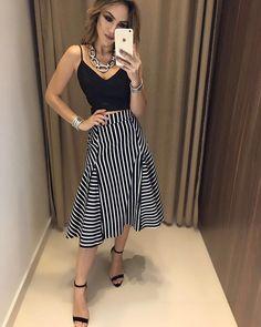 dress skirt and blouse Urban Fashion, Love Fashion, Fashion Looks, Womens Fashion, Skirt Outfits, Casual Outfits, Dress Skirt, Dress Up, Outfit Trends