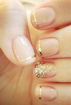 Gold Christmas Nail Art