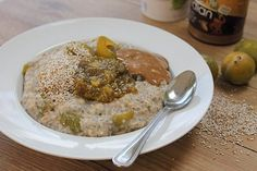 A new to me plum - Greengage amaranth overnight oats! Overnight Breakfast, Overnight Oats, Healthy Food, Healthy Eating, Healthy Recipes, Plum, Oatmeal, Sweet, Healthy Foods