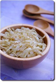 """Recette de salade de chou blanc """"à la vietnamienne"""" (comme dans les restos japonais)."""