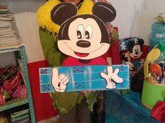 Perchero L2 Mickey Mouse, Disney Characters, Fictional Characters, Art, Coat Hooks, Wood, Art Background, Kunst, Performing Arts